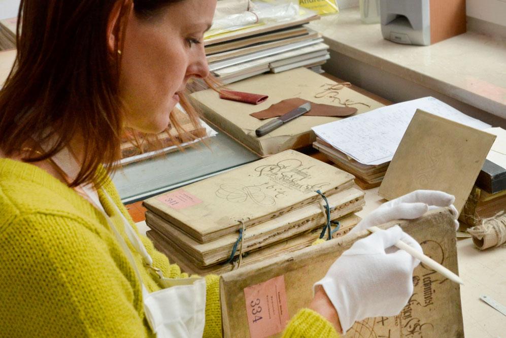 Buchwerkstatt Restaurierung eines Buchs